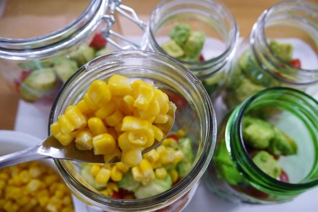 メイソンジャーサラダの作り方の画像