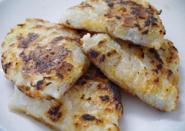 チーズinポテト餅の画像