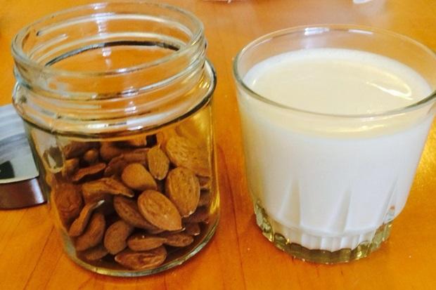 アーモンドミルクの作り方の画像